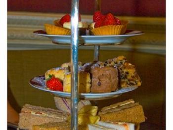 High tea at the Balmoral Hotel, Edinburgh (copyright: Mike Leone)